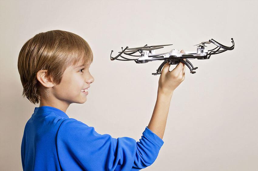 Квадрокоптер для ребенка фото