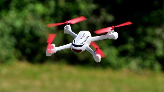 Квадрокоптер в воздухе